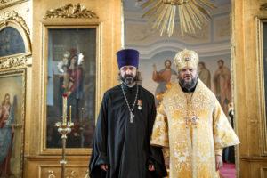 Поздравляем настоятеля нашего храма протоиерея Михаила Бравермана с награждением медалью святого апостола и евангелиста Иоанна Богослова