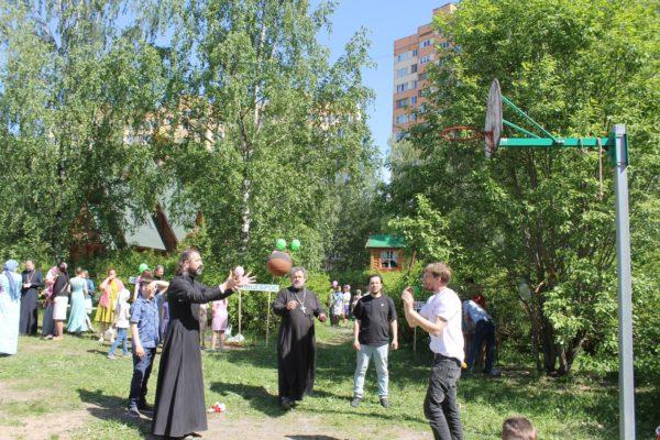 Троицкая ярмарка в храме свт. Константина и Елены на ул. Доблести