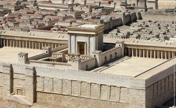 Устройство храма снаружи и внутри: история и современность