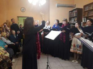 концертная группа любительского хора нашего храма посетила Покровскую богадельню при храме прмч Андрея Критского.