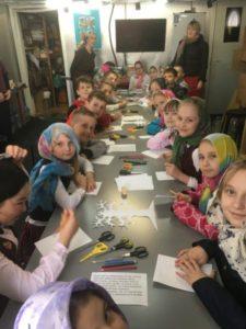 На Светлой седмице по традиции наш храм посетили школьники Красносельского района