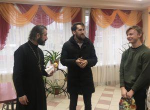 Настоятель нашего храма поздравил воспитанников детского дома № 167 с Рождеством.